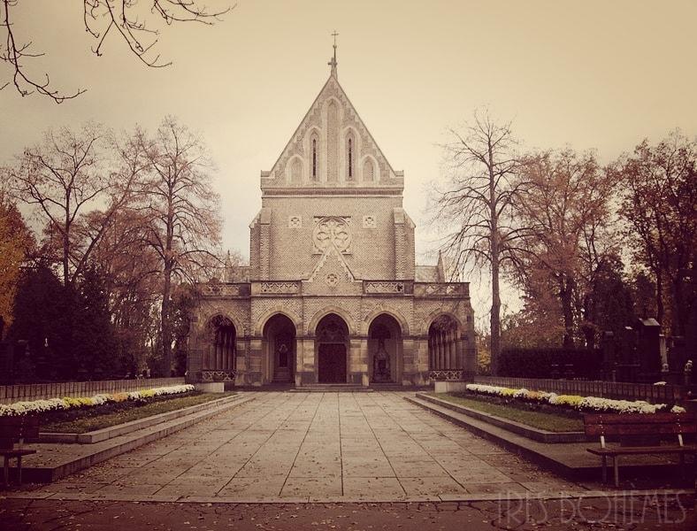 Chapel-a-Vynohrady-Cemetery