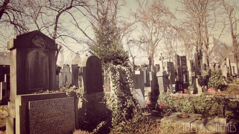 Vysehradsky-Cemetery-gravestones
