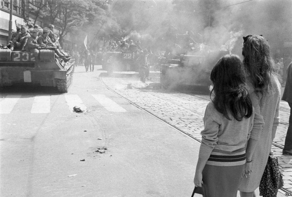 Prague_1968_11_Tres_Bohemes