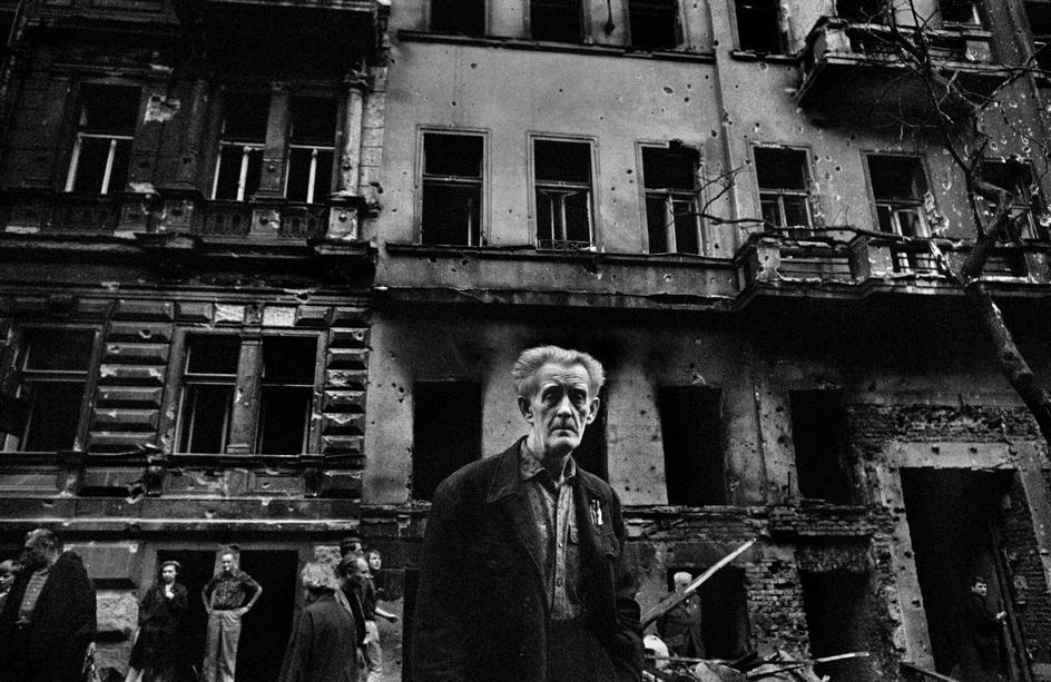 Prague_1968_14_Tres_Bohemes
