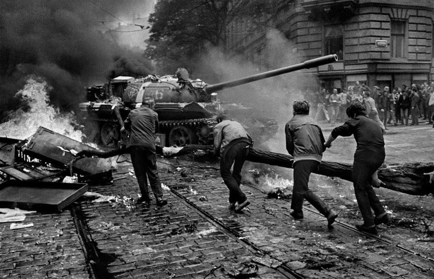 Prague_1968_9_Tres_Bohemes