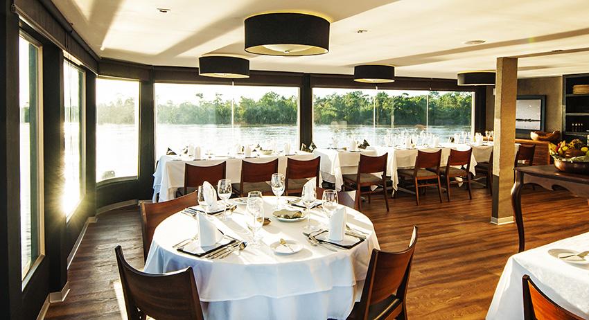 Aqua-Hotel-Dining-Room