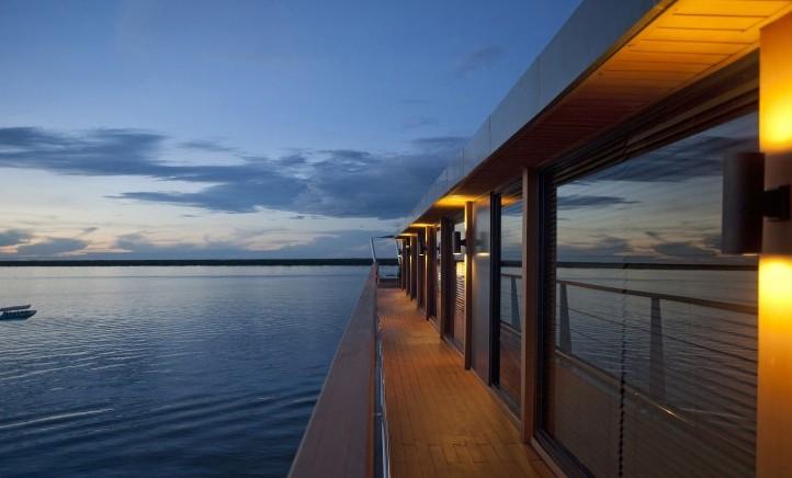 Aqua-Mekong-Exterior-Floating-Hotel