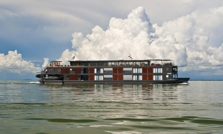 Aqua-Mekong-Exterior-Floating-5-Star-Hotel