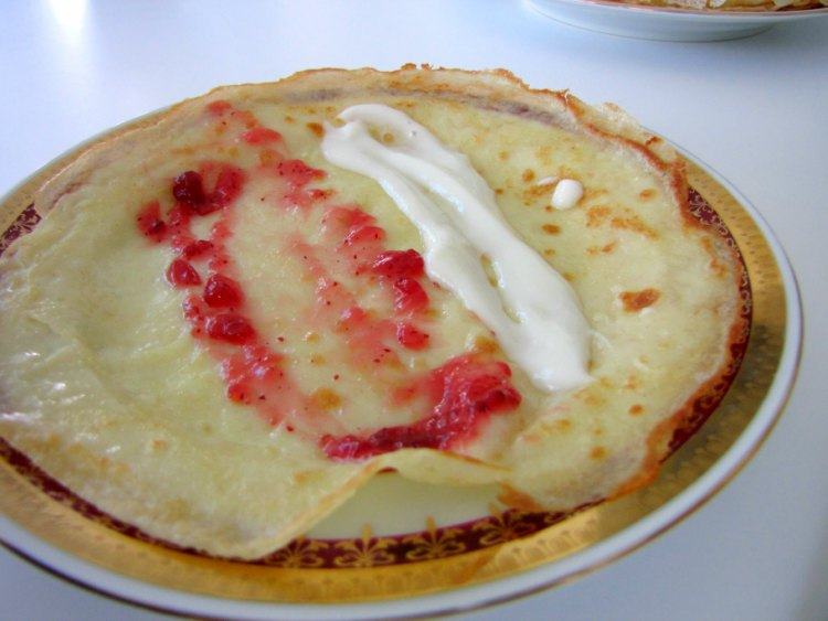 Crepes-for-Breakfast-Recipe-Palacinky-Filling-Tres-Bohemes