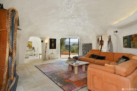 Flintstones-House-Main-Room