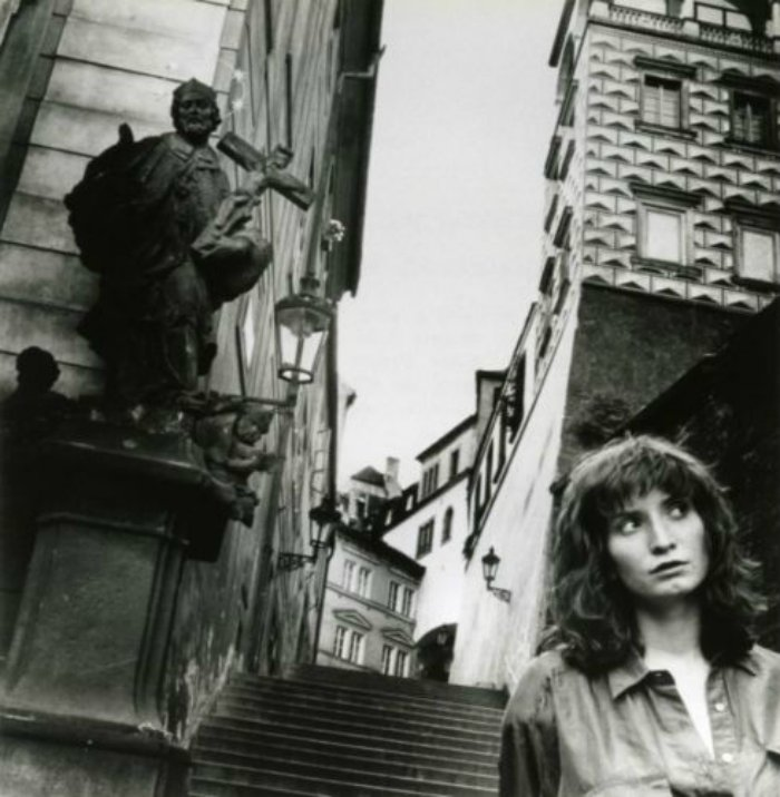 HELMUT-NEWTON-in-Prague-Czechoslovakia-1989