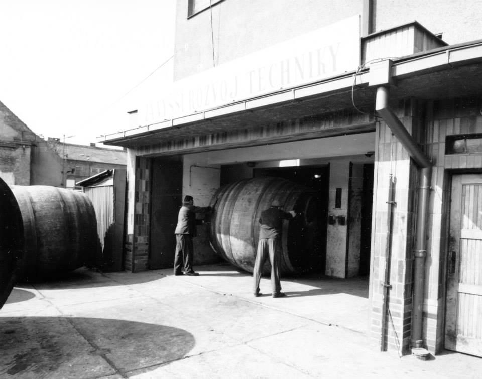 Pilsner-Urquell-Beer-Coopers-History-Photo-22