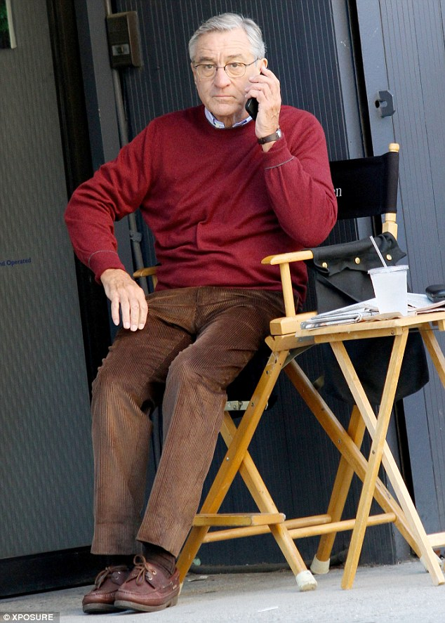 Robert-DeNiro-on-the-Phone