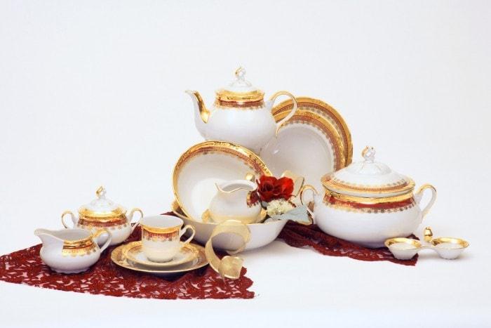 Tres-Bohemes-Thun-porcelain