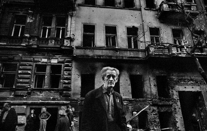 1968-Invasion-Josef-Koudelka-Tres-Bohemes