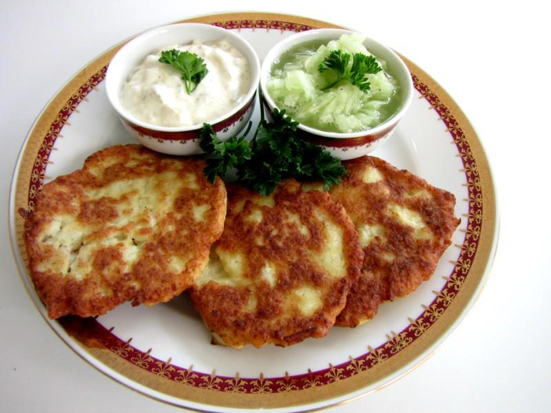 Cauliflower-Patties-and-Cucumber-Salad-2