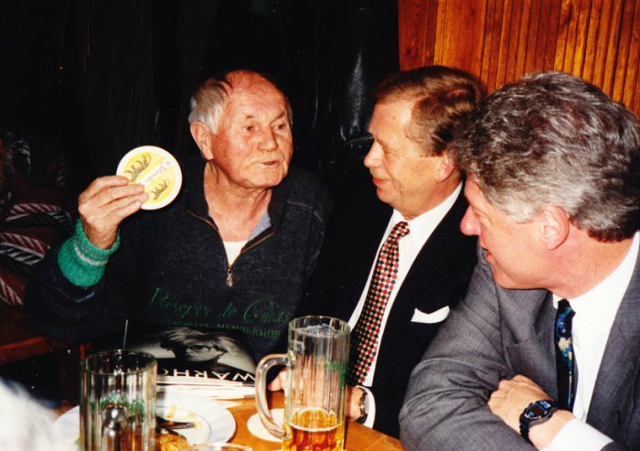 Clinton-Havel-Prague-Pub