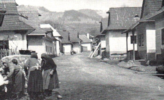 Farming-village-in-Czechoslovakia
