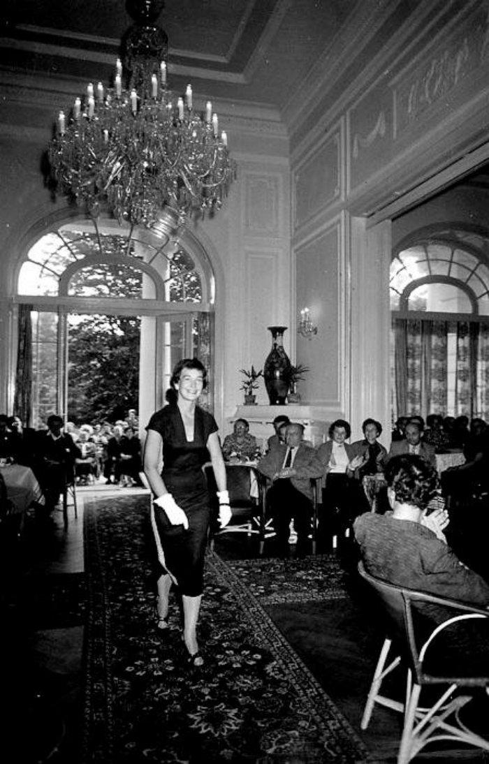 Karlovy-Vary-Fashion-1950s-Vilem-Heckel-13