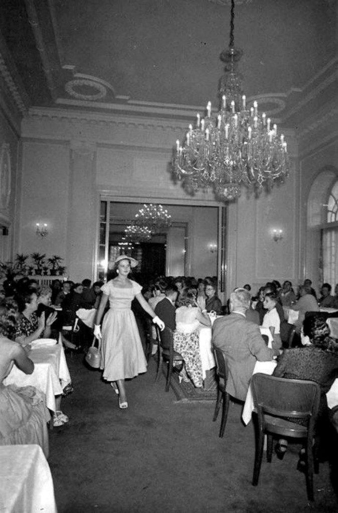 Karlovy-Vary-Fashion-1950s-Vilem-Heckel-2