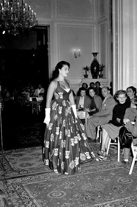 Karlovy-Vary-Fashion-1950s-Vilem-Heckel-9