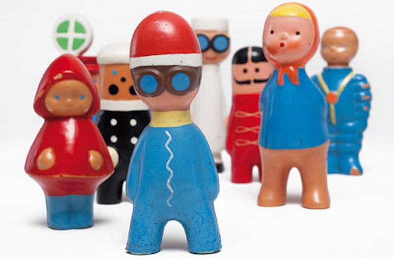 Libuse-Niklova-Plastic-Toys-Tres-Bohemes