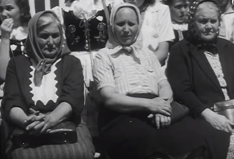Mothers-Day-in-Decin-1948-10