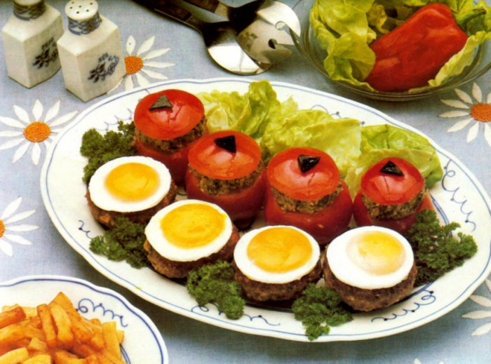 Mushroom-Stuffed-Tomatoes-and-Mushroom-Burgers-Topped-with-Egg