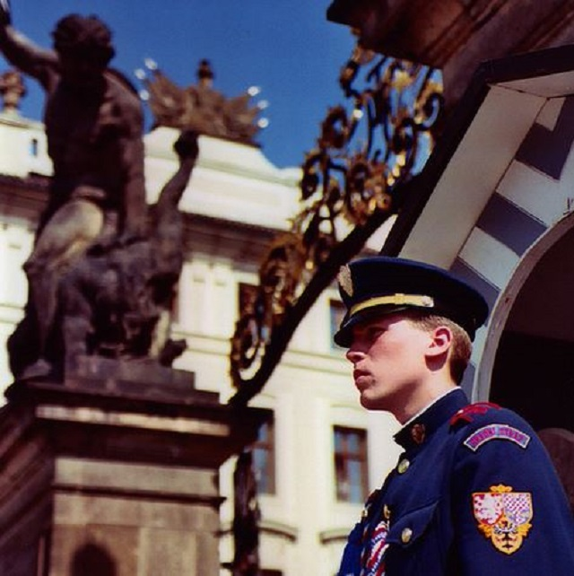 Prague-Castle-Guards-8