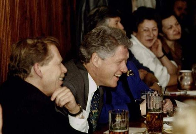 President-Havel-and-President-Clinton