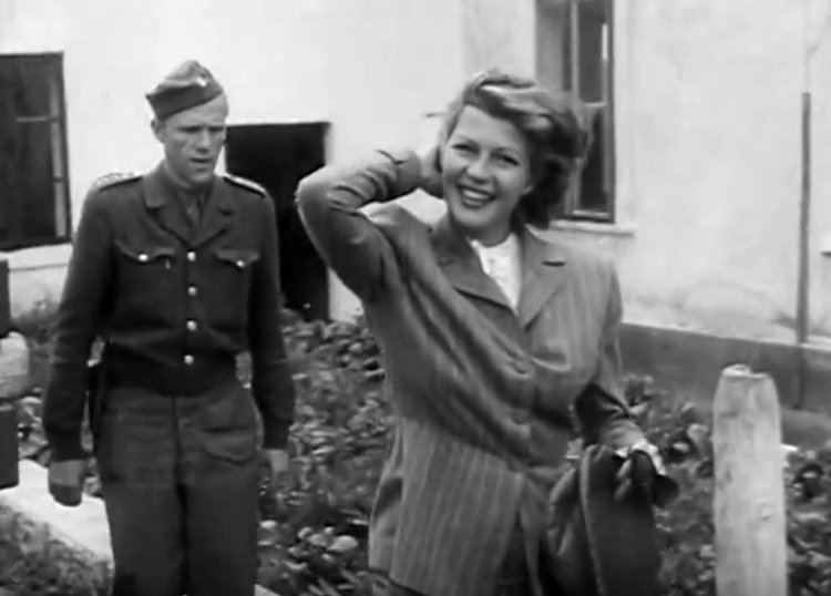 Rita-Hayworth-in-Czech-Republic-1