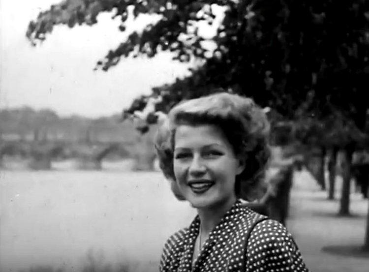 Rita-Hayworth-in-Czech-Republic-18