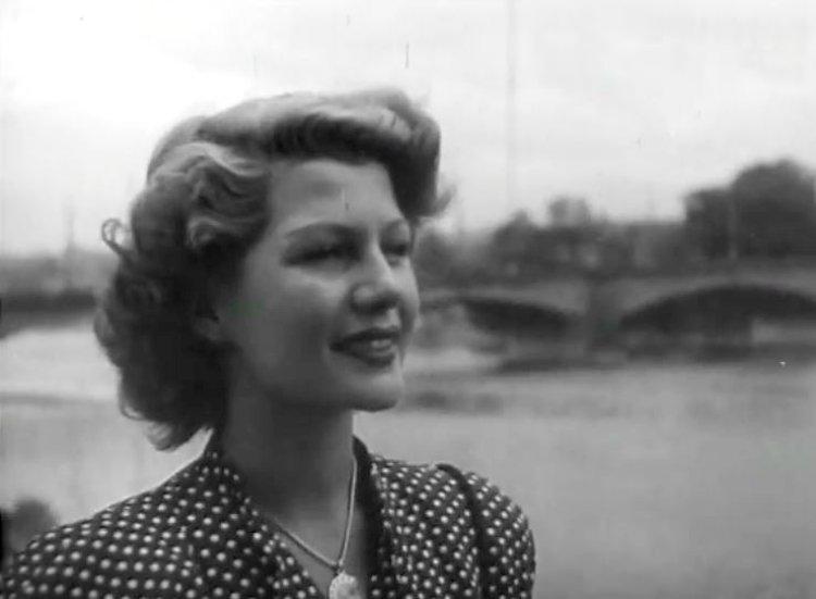 Rita-Hayworth-in-Czech-Republic-21