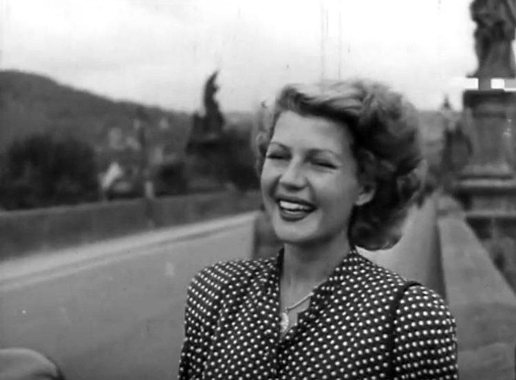 Rita-Hayworth-in-Czech-Republic-26