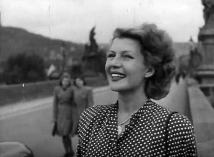 Rita-Hayworth-in-Czech-Republic-27