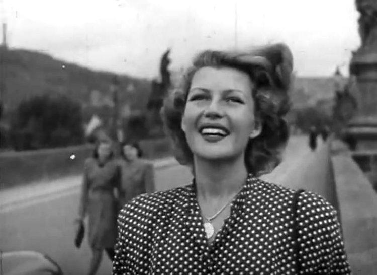 Rita-Hayworth-in-Czech-Republic-28