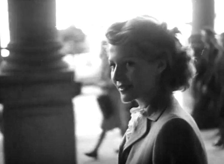 Rita-Hayworth-in-Czech-Republic-8