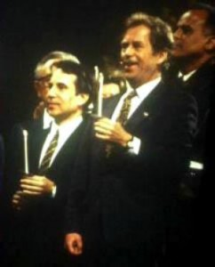 Vaclav-Havel-and-Paul-Simon