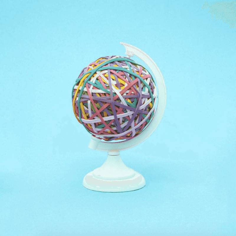 Globe-Vanessa-McKeown-Tres-Bohemes