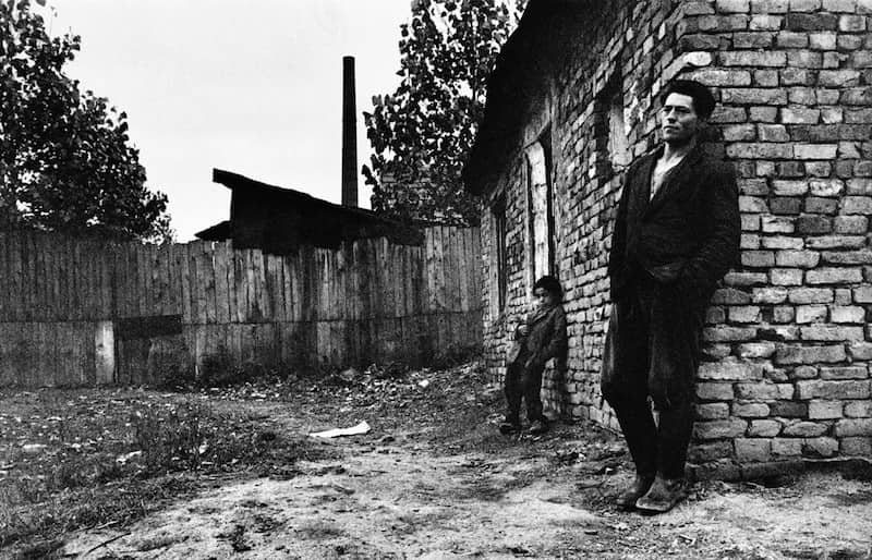 Gypsies-Josef-Koudelka-Tres-Bohemes