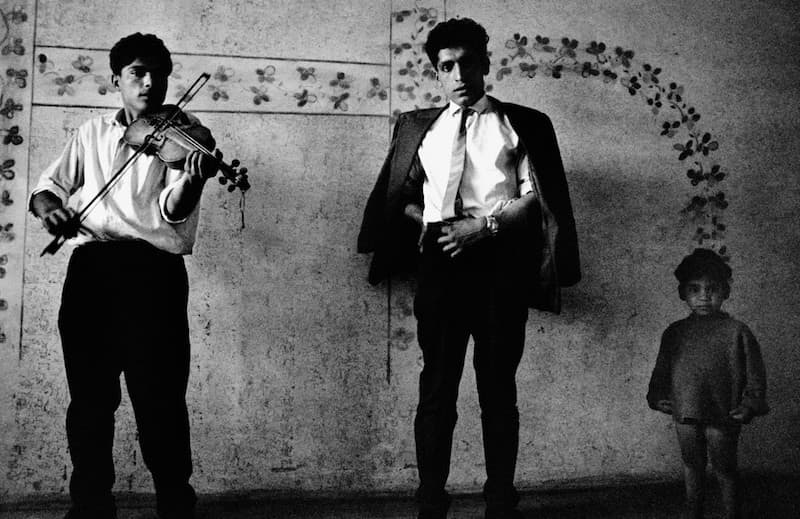 Gypsy-Musicians-Josef-Koudelka-Tres-Bohemes