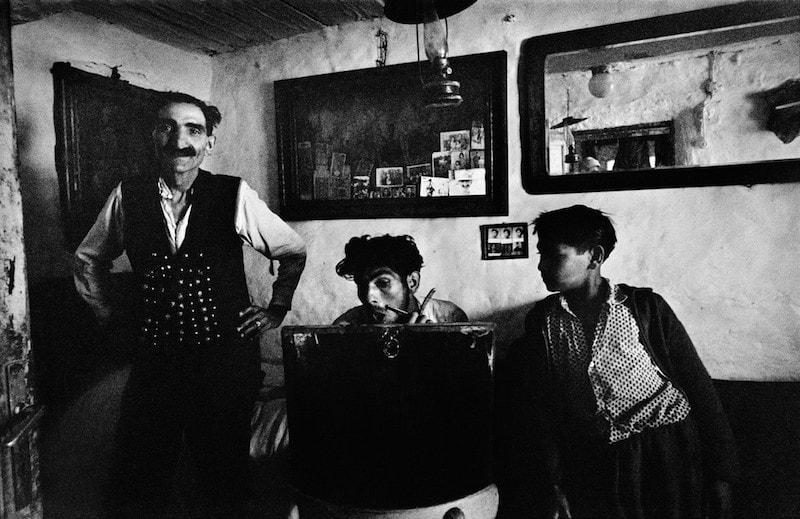 Romanians-Josef-Koudelka-Tres-Bohemes