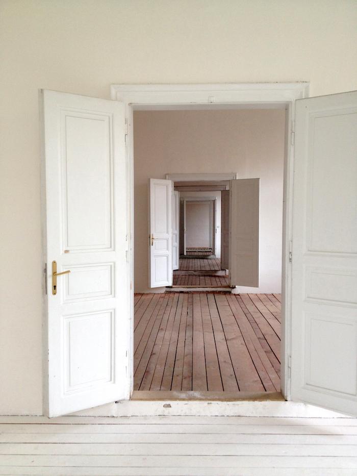 Kafkuv-Dum-Hall-Tres-Bohemes