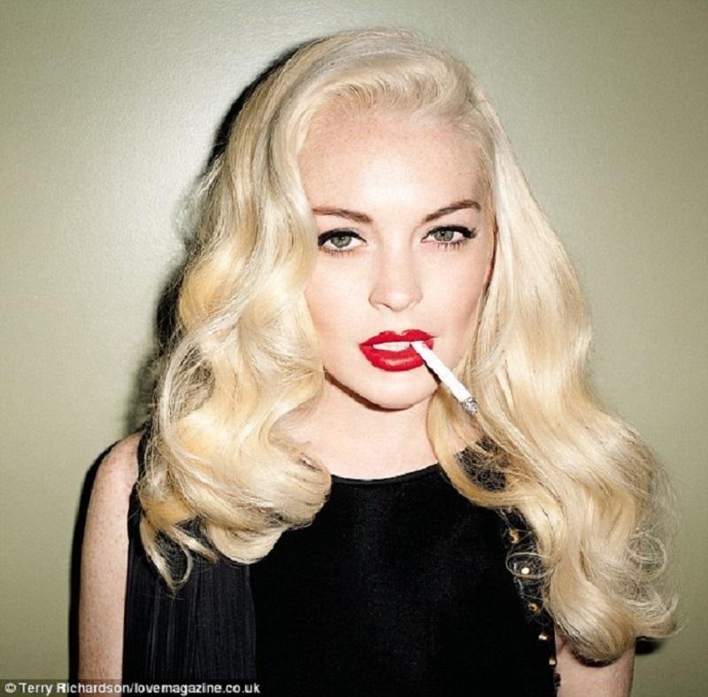 Lindsay_Lohan_Red_Lips