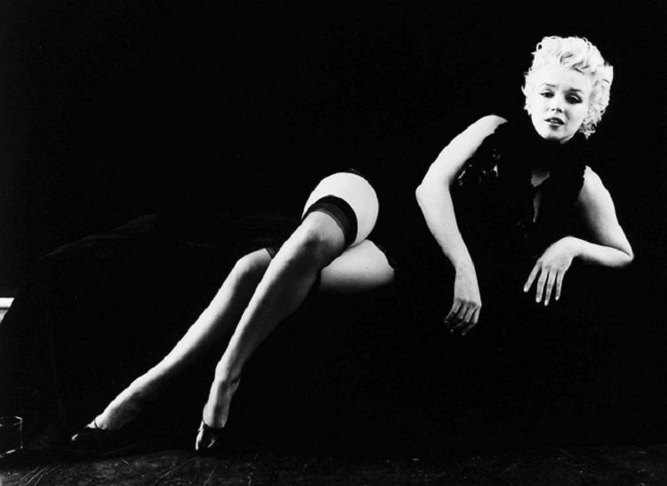 Marilyn_Monroe_in_Black_11b