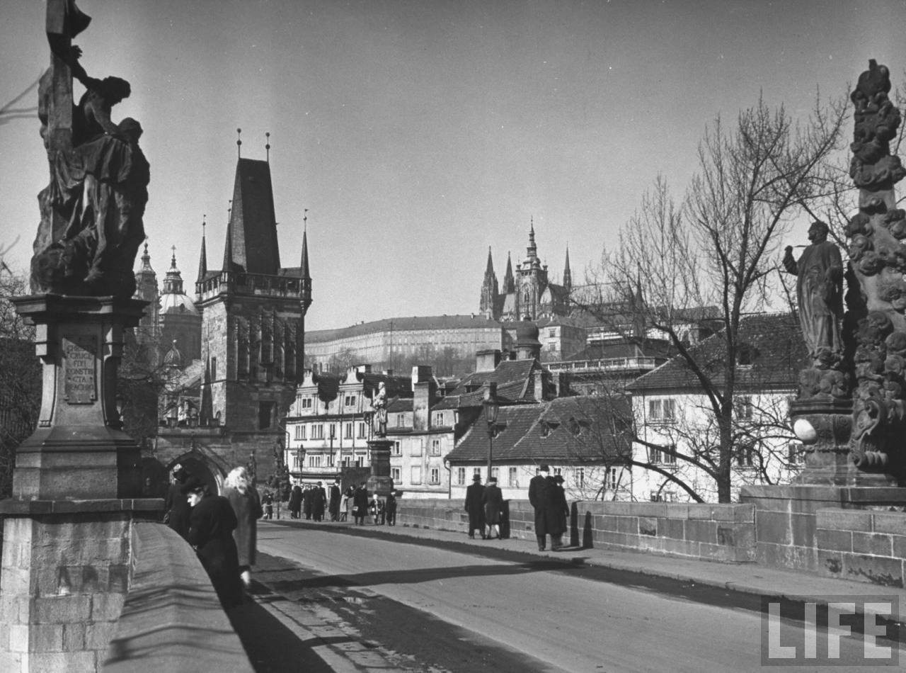 View fr. the Charles Bridge toward the Hradcany compound w. St. Vitus cathedral in the center.