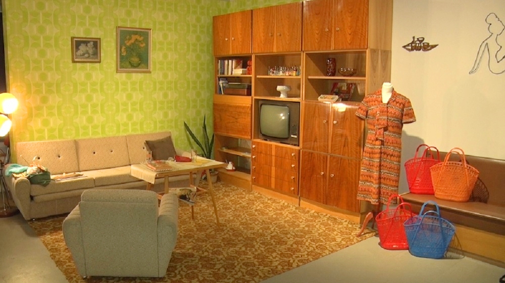 Czech-Retro-Apartment-10