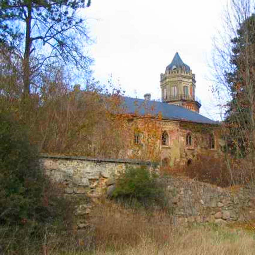 save-a-czech-castle-11