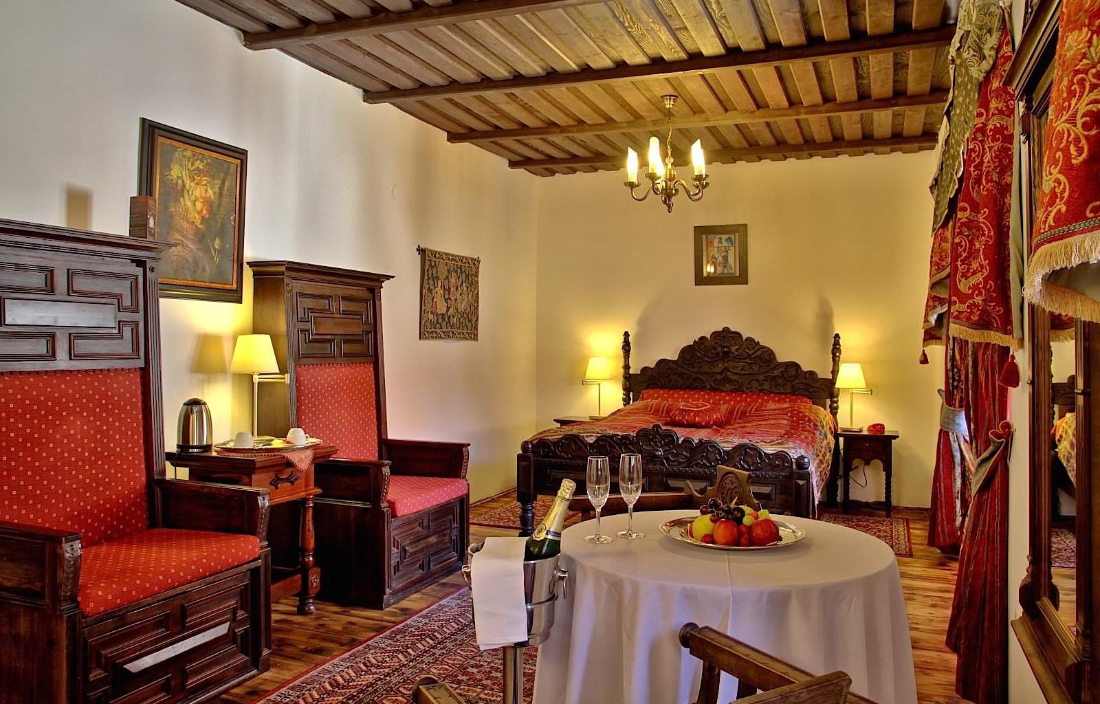 HotelRuze_Deluxeroom_2
