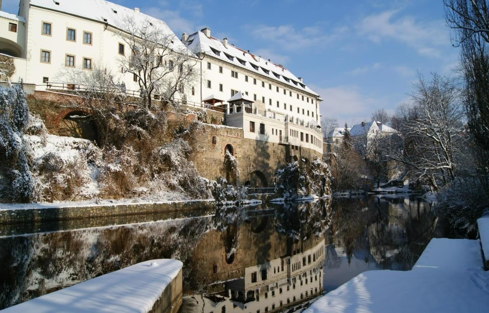 Hotel_Ruze_Exterior_Winter