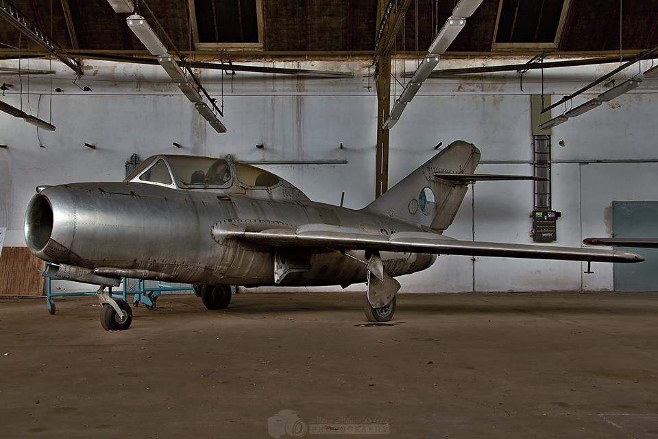 aviation-hangars-czech-republic-17