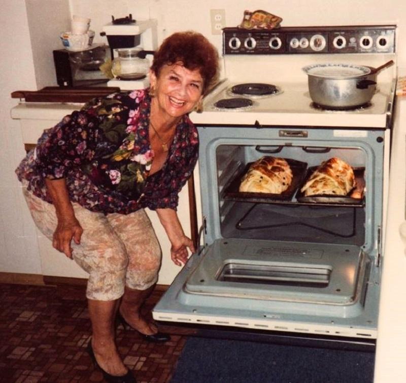 Marie Hilmar making Vánočka.