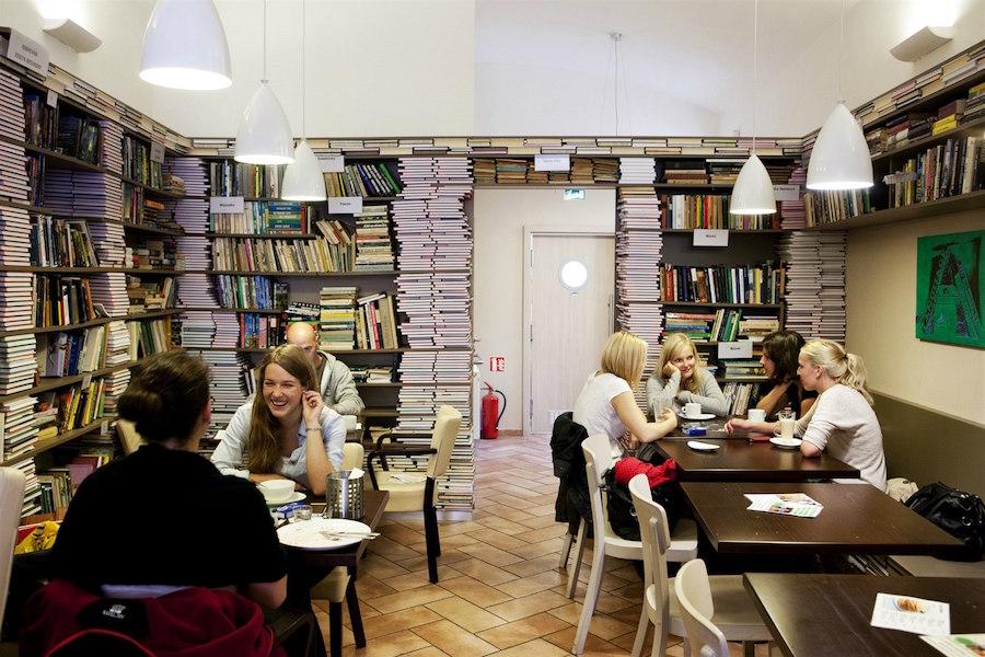 Book-Cafe-Tres-Bohemes