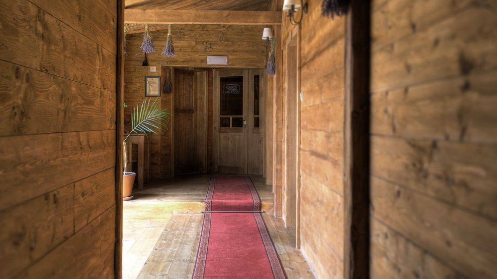 angusfarm-hallway